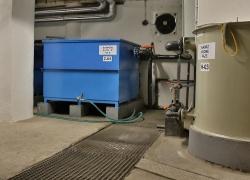 Technologická nádrž a sorpční filtry.