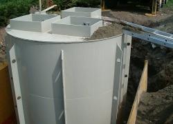 Čerpací stanice připravená k betonáži.